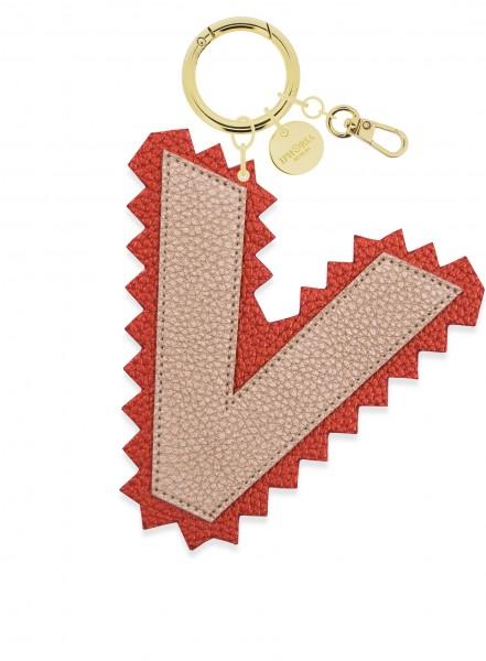 XL Bag Charm gold Letter V 1