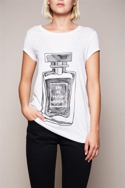 T-Shirt - Eau De Fresh Laundry Size 2 1